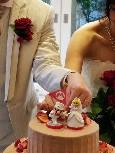 japanese-couple-marriage-super-mario-odyssey-photo-2
