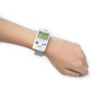 game-boy-inspired-wristwatch-2