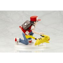 pokecen-trainer-red-and-pikachu-figure-colored-photo-4