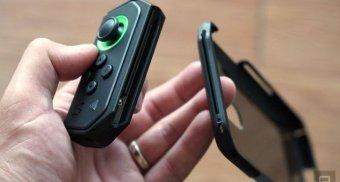 black-shark-smartphone-joycon-copy-oct252018-3