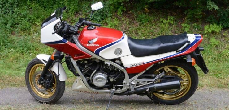 Honda VF 750 F