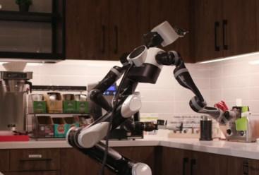 روبوت يتعلم التقاط الأشياء وترتيبها | عبر معهد تويوتا للأبحاث