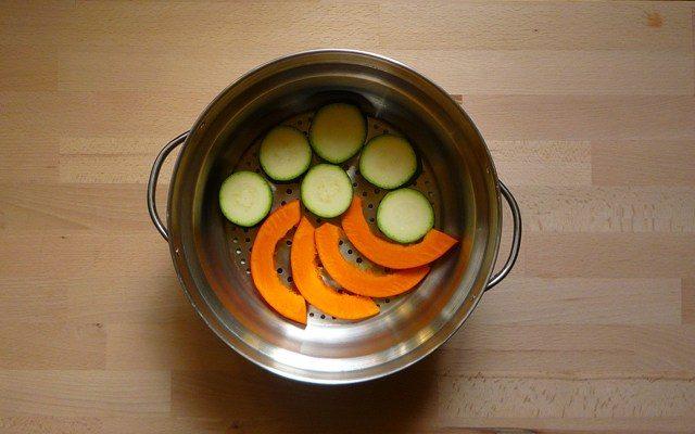 ONYASAI - gedämpftes Gemüse mit Sesamsauce