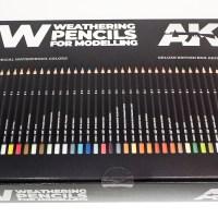プラモ用最強の色鉛筆セット! 「AKインタラクティブ ウェザリングペンシル」で気軽にイケてる汚れ描けます。