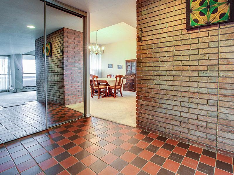 Niraj Sharma  Toronto Real Estate Agent  335 Mill Road PH2