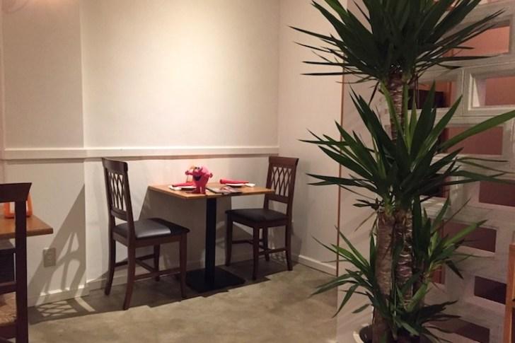 石垣島のピッツェリア イル トレコルデのテーブル席