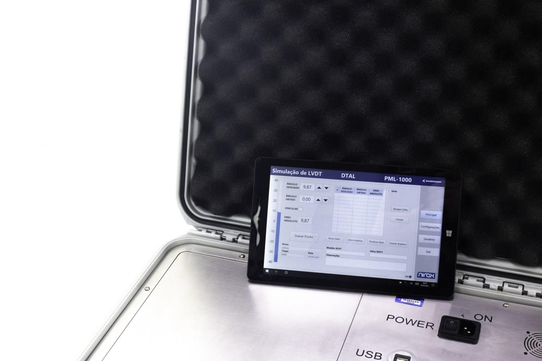 Acquire: tablet com software