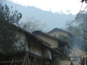 সকালের এনেঙ পাড়া (ছবি: নাকিব)