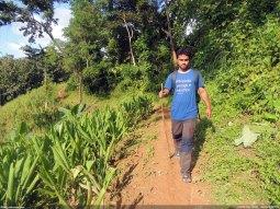 জুরভারং পাড়ার কাছেই পাহাড়ে ট্রেকে তানভির