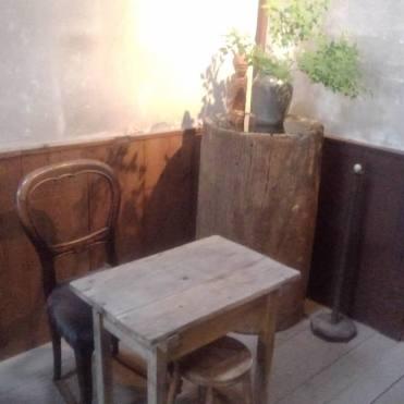 アンティーク家具1