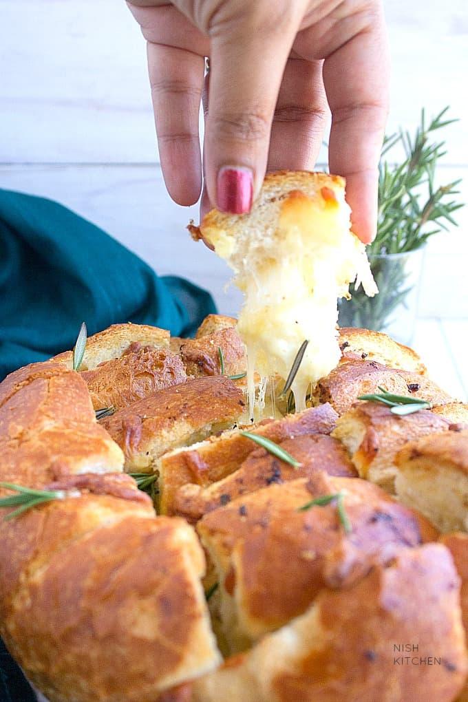 garlic pull apart bread recipe video