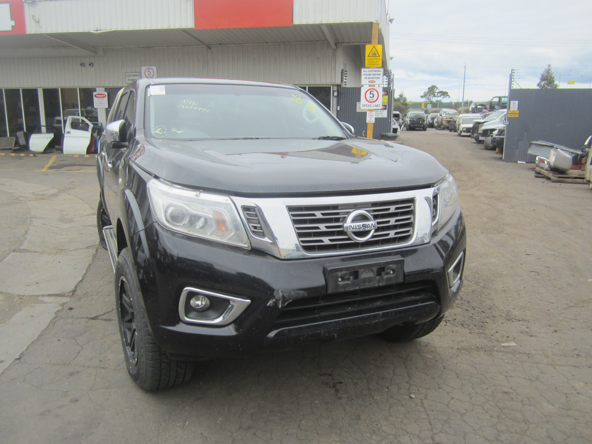 hight resolution of nissan navara d23 np300 st diesel manual 2015 wrecking