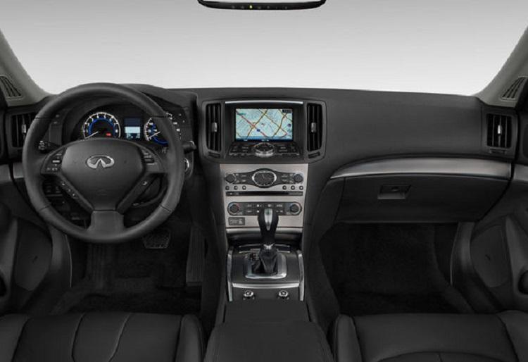 2015 Infiniti Q40 interior