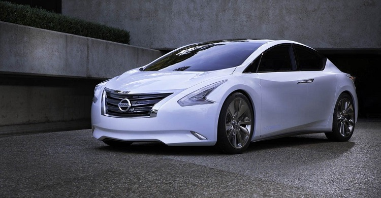 2016 nissan altima front view