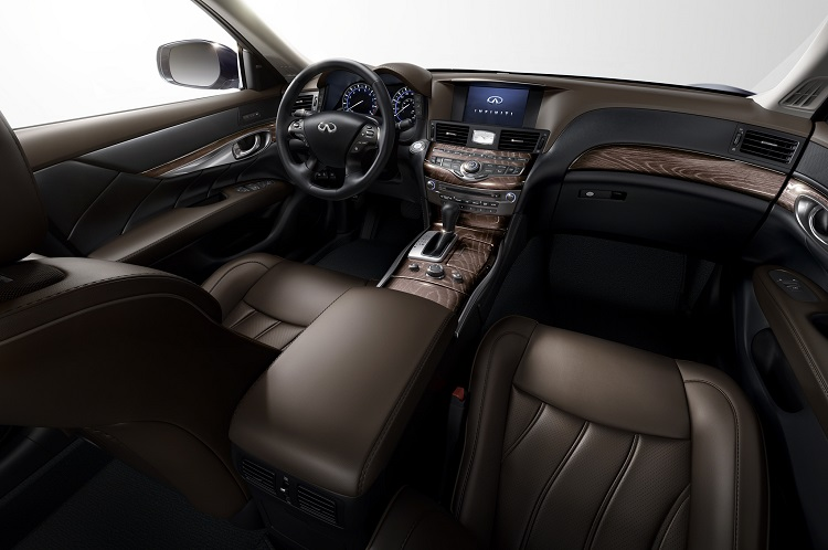 2015 Infiniti Q70 Hybrid interior