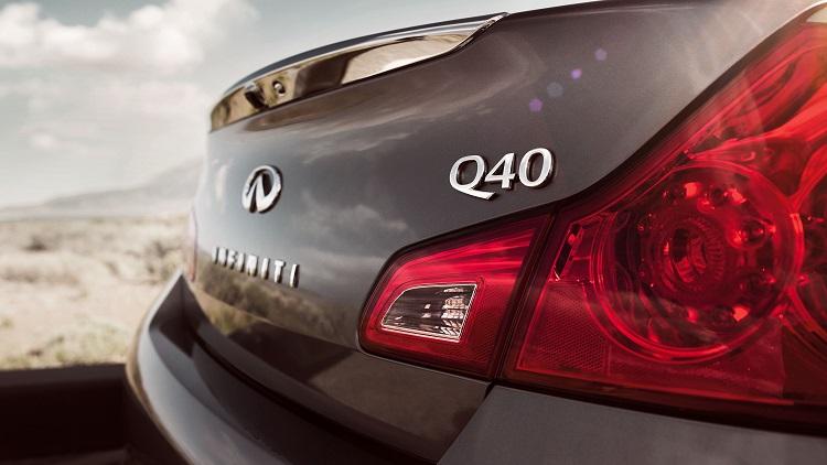 2016 Infiniti Q40 rear view