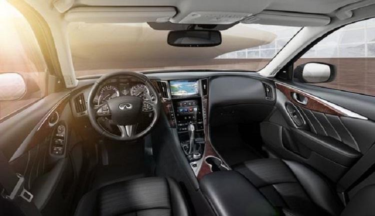 2016 Infiniti Q50 interior