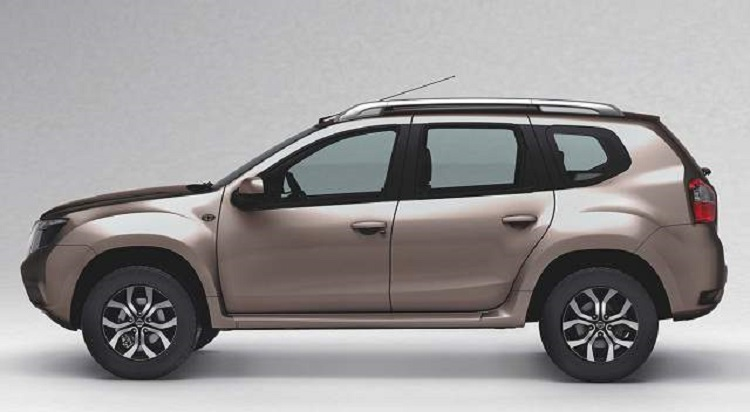 2016 Nissan Terrano side view