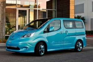2015 Nissan e-NV200 front view