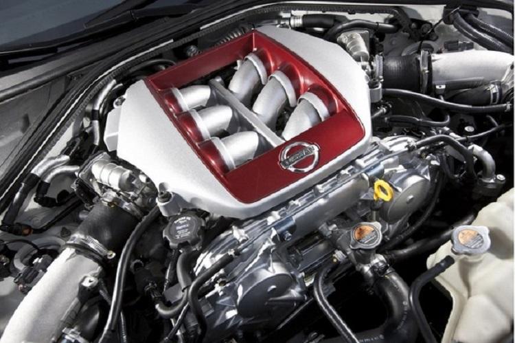 2017 Nissan GT-R engine