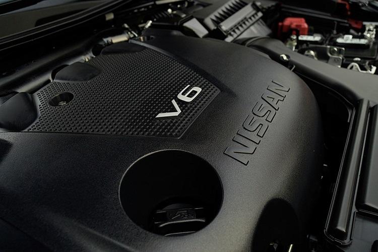 2016 Nissan Maxima SR Midnight engine