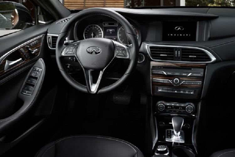 2017 Infiniti Q30 interior
