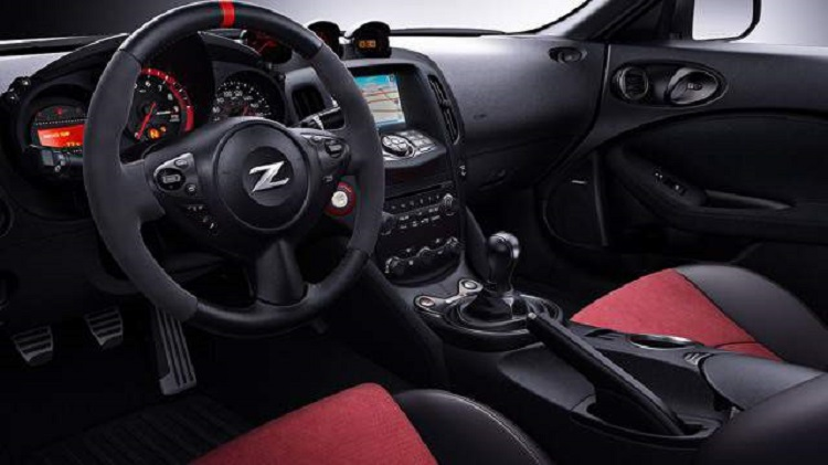 2017 Nissan 370Z Nismo interior