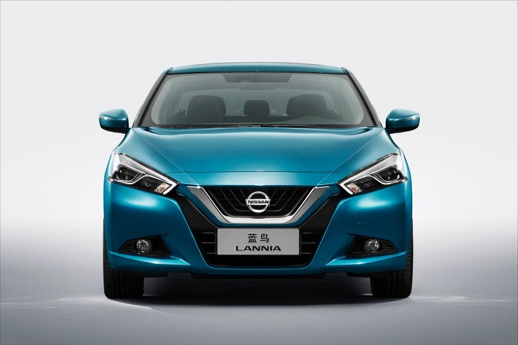 2017 Nissan Lannia front view