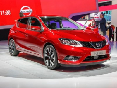 2016 Nissan Pulsar front view