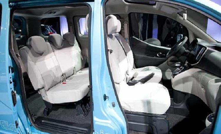 2016 Nissan e-NV200 interior