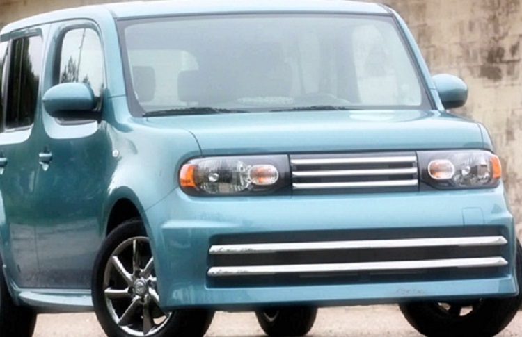 2018 Nissan Cube front view