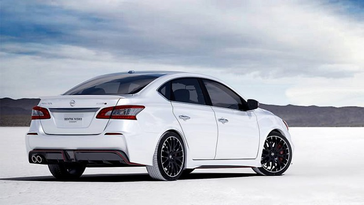 2019 Nissan Sentra Nismo rear view