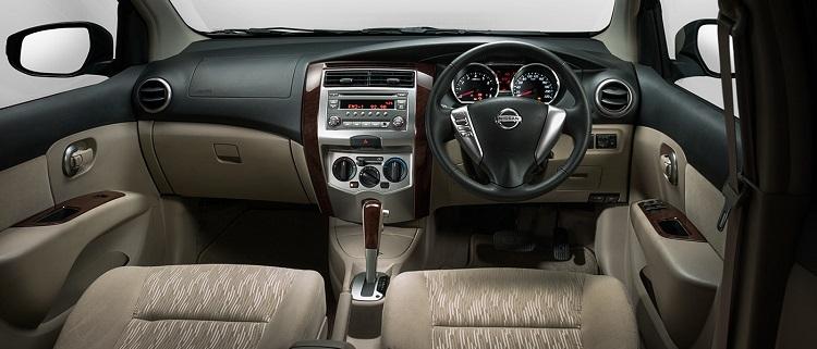 2017 Nissan Grand Livina interior