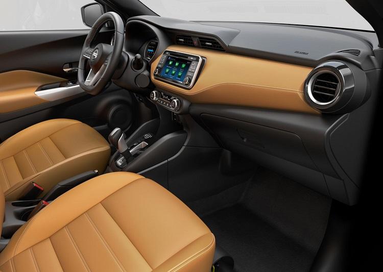 2017 Nissan Kicks interior