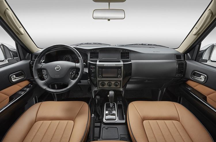 2017 Nissan Patrol Y61 interior