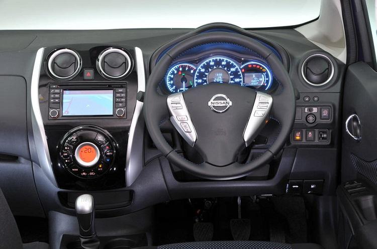 2018 Nissan Note interior