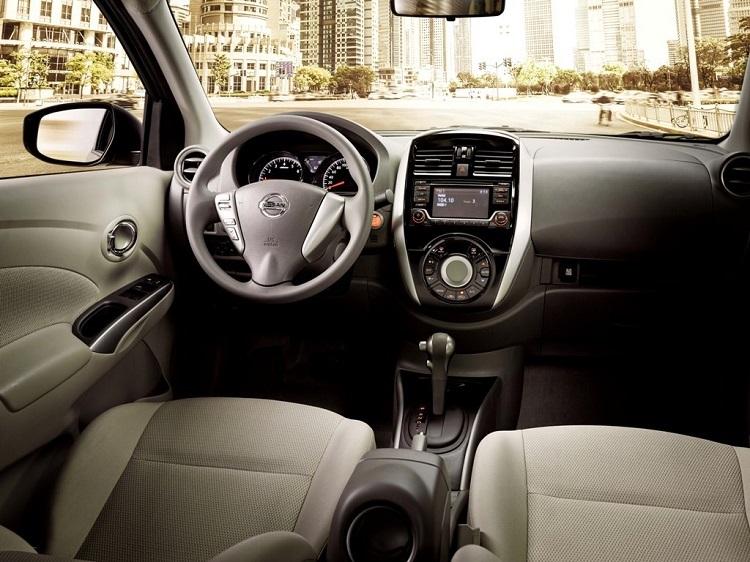 2018 Nissan Sunny interior