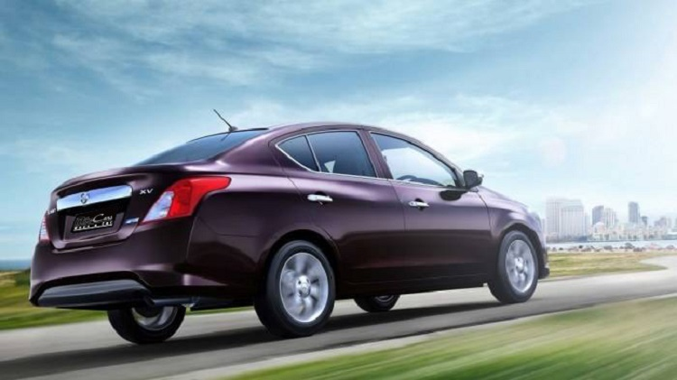 2018 Nissan Sunny rear view