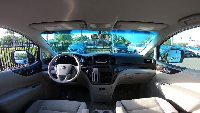 2022 Nissan Quest interior