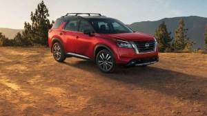 2022 Nissan Pathfinder red