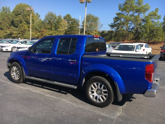 13-frontier-crew-cab-sl-metallic-blue-gray-steel-leather-navigation-nissan-of-lagrange-atlanta-auburn-columbus-newnan-781429a-9