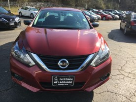 17 Altima SR Midnight Edition Cayenne Red Nissan of LaGrange Atlanta Auburn Columbus Newnan (2)