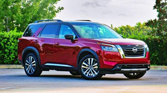 2023 Nissan Pathfinder Platinum Exterior