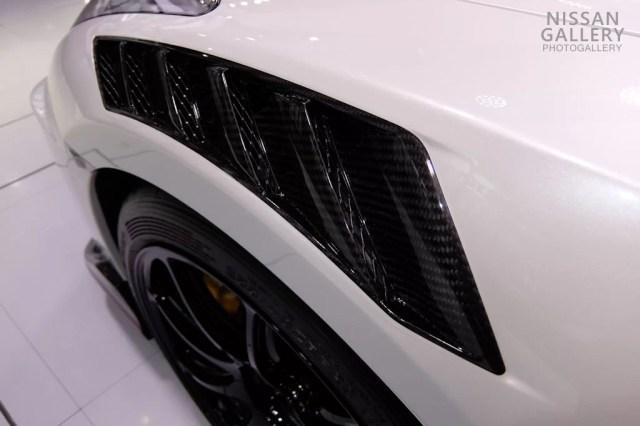 GT-R NISMO 2020年モデル カーボン製フロントフェンダー