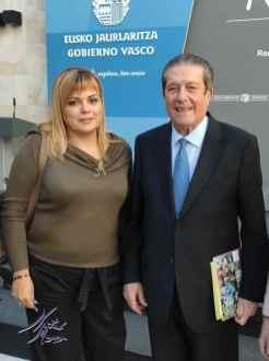 """Con Federico Mayor Zaragoza con nuestro catálogo """"encontrarte"""""""