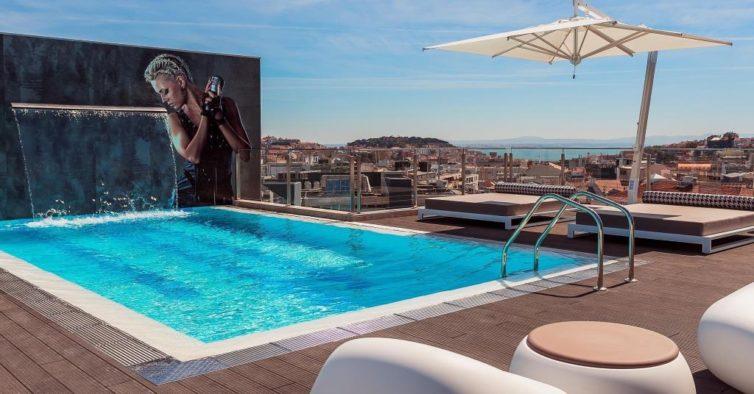 7 piscinas em terraos para mergulhar em Lisboa este vero