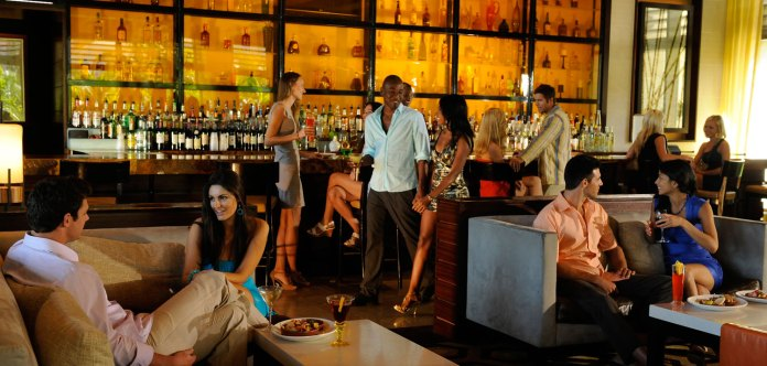 Atlantis Bahamas bar