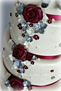 burgundy silver wedding cake