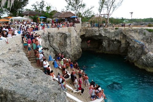 Negril, Rick's Cafe cliff jumping