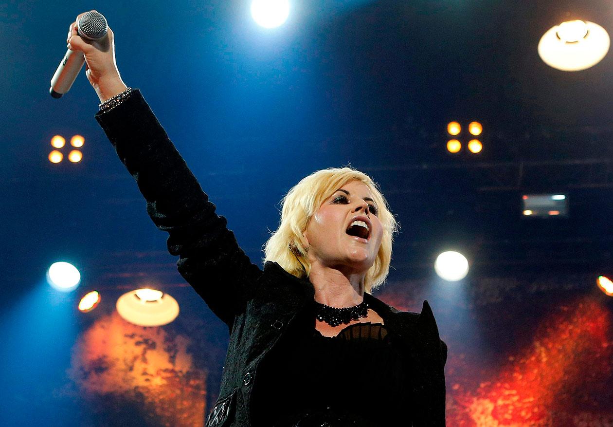"Canciones icónicas para recordar a Dolores O'Riordan, vocalista de ""The Cranberries"